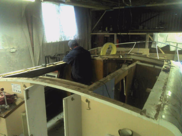 Major Renovations Of 40ft Cabin Cruiser Kingfisher Boat